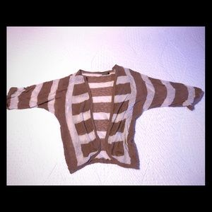 Wilfred Shrug with 3/4 sleeves